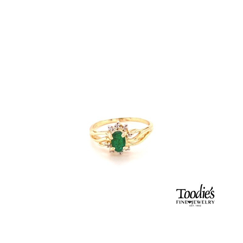 Toodie's Signature Fashion Emerald And Diamond Cocktail Ring