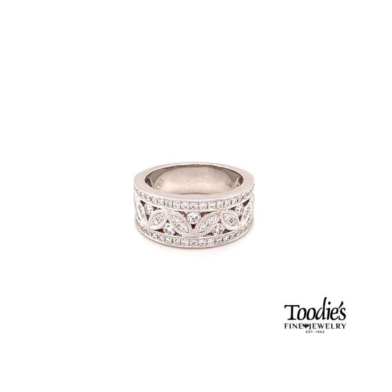 Toodie's Signature Fashion Diamond Floral Ring