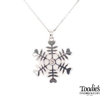 Snowflake Design Pendant Necklace