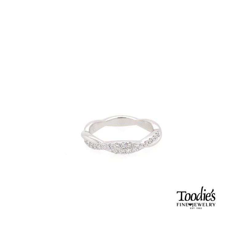 Toodie's Signature Fashion Twisted Design Diamond Band