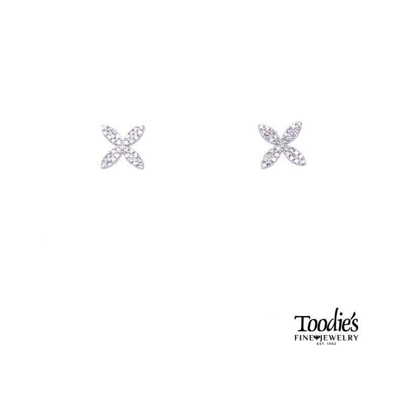 Shy Creation Flowery Diamond Stud Earrings