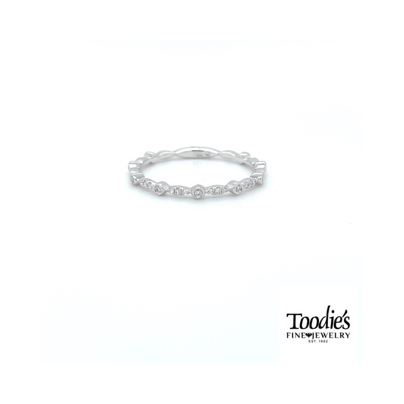 Shy Creation Delicate Diamond Stackable