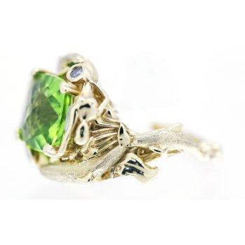 Peridot and Diamond, Yellow Gold Ring