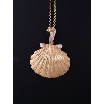 Diamond Gold Shell Pendant Necklace