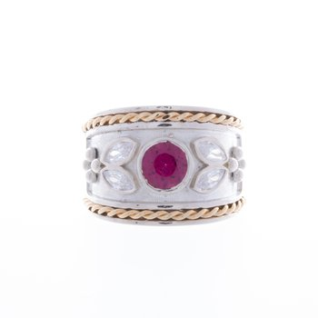 Sterling Silver and 14 kt gold ring with Garnet