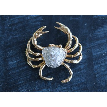 Two toned crab with diamonds on its shell