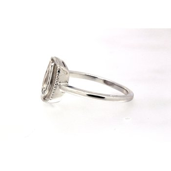 White gold and diamond horseshoe plaque ring