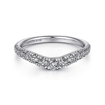 14KW 0.51TDW FRENCH PAVE SET CURVED WEDDING BAND