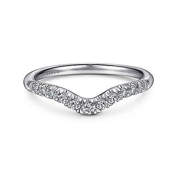 14KW 0.25TDW FRENCH PAVE SET CURVED WEDDING BAND