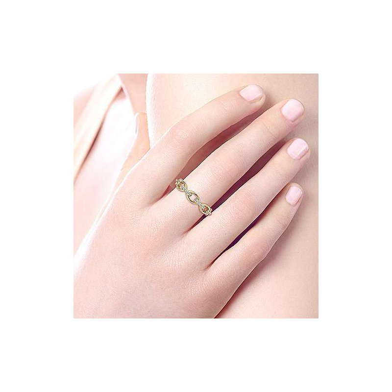 Signature Collection 14k Yellow Gold Oval Chain Link Diamond Ring by Gabriel NY