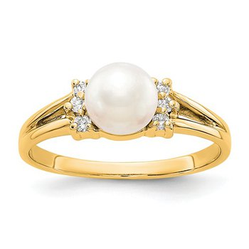 From the Pearl Collection, 14k Yellow Gold 6mm Pearl and Diamond Ring
