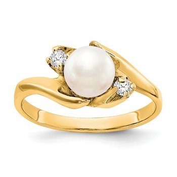 14k Yellow Gold 6mm Freshwater Pearl Ring with .06cts Diamonds