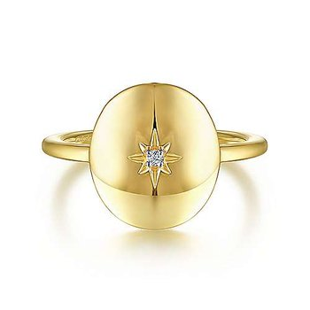 14k Yellow Gold Oval Medallion Ring with a Diamond Star Center