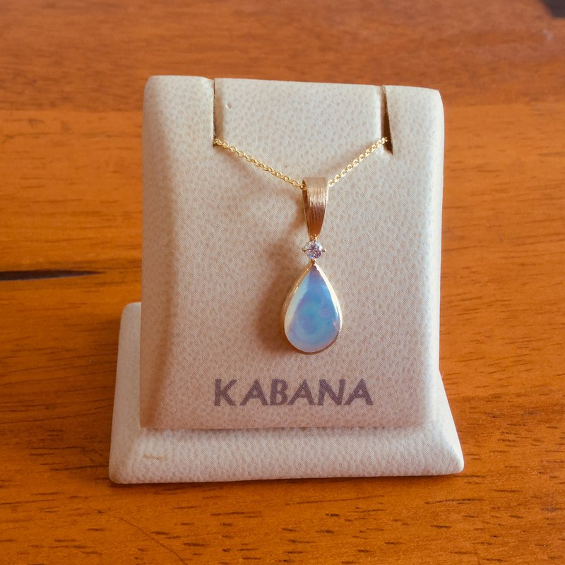 Kabana Jewelry Kabana 14k Yellow Gold Teardrop Pendant with White Mother of Pearl and Diamond