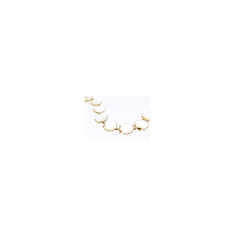 Kabana Jewelry White Mother of Pearl Shell Bracelet in 14k Yellow Gold