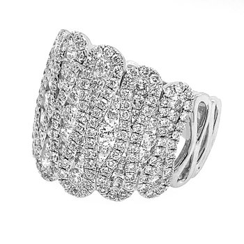 18k White Gold Scalloped Diamond Fashion Ring