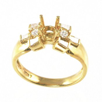 18k Yellow Gold Baguette and Round Brilliant Diamond Mounting - #17452