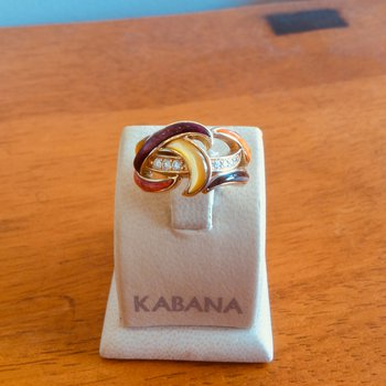 14k Yellow Gold Swirl Ring with Multi Mother of Pearl from the Spiny Oyster