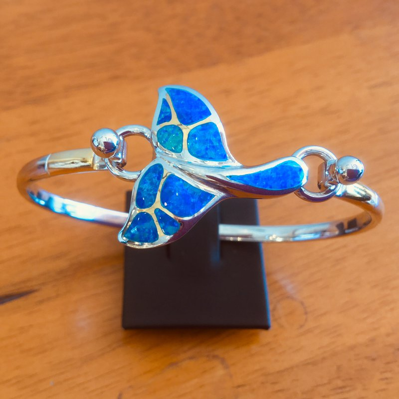 Kovel Sealife Sterling Silver and 18k Gold Plate Whale Tail Topper with Kyocera Lab Created Opal