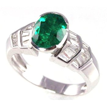 18k White Gold Oval Emerald and Baguette Diamond Ring - #26101