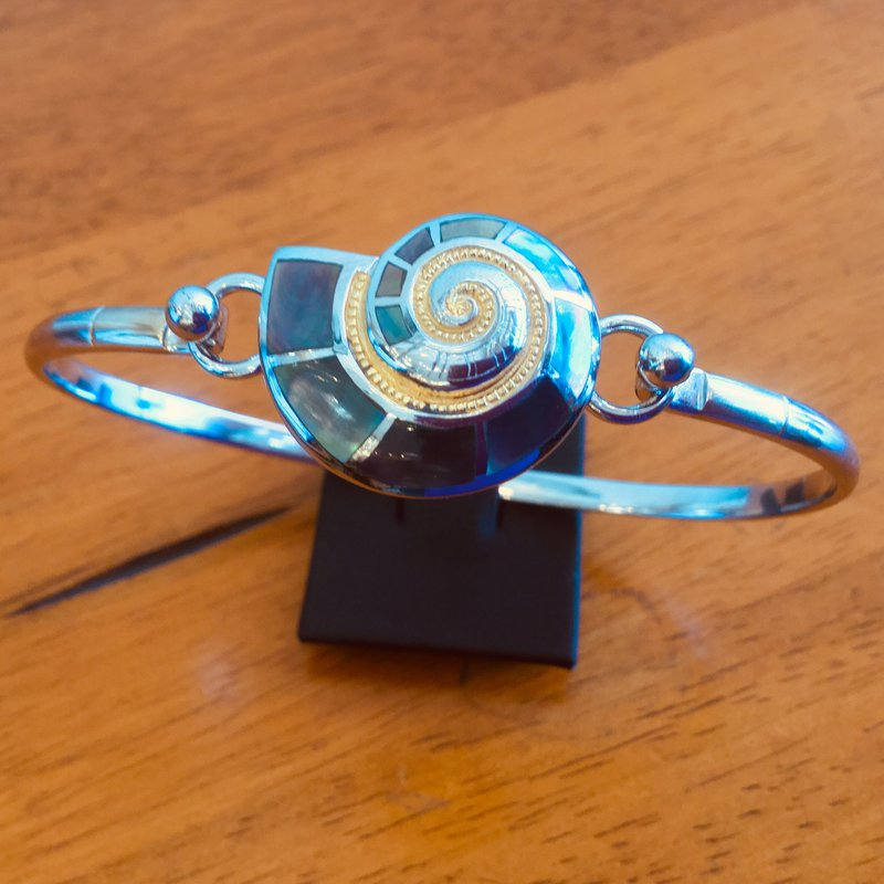 Kovel Sealife Sterling Silver and 18k Gold Plate Nautilus Topper with Black Mother of Pearl