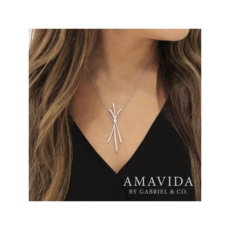 Signature Collection 18k White Gold Necklace from the Amavida Collection by Gabriel NY