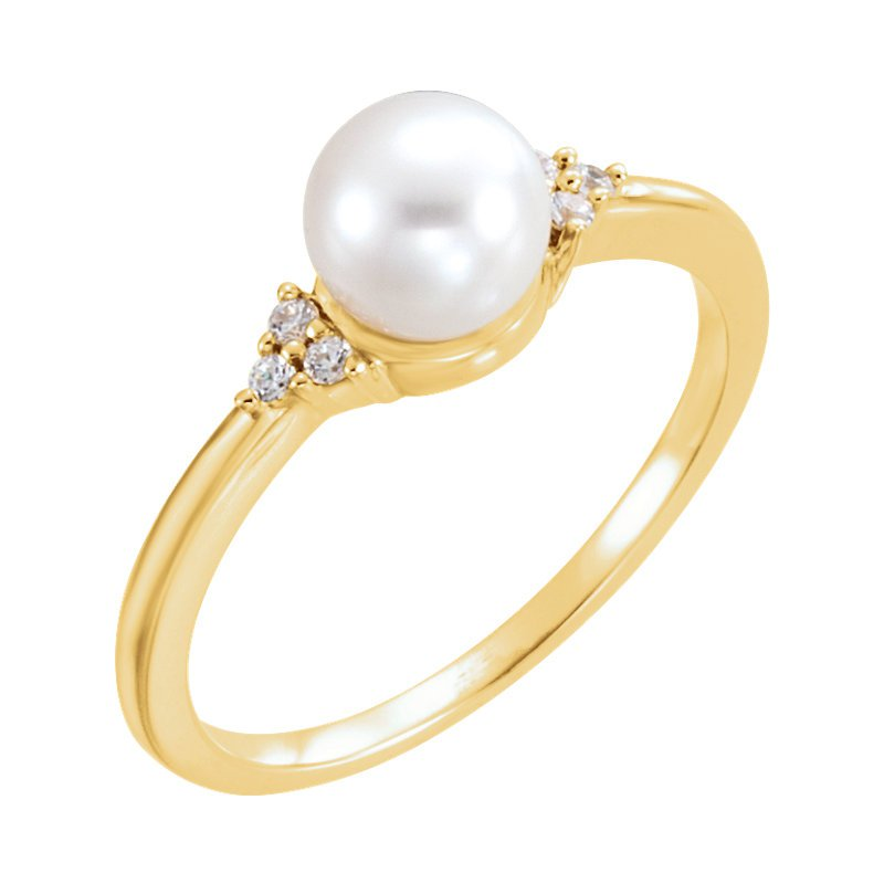 Signature Collection From the Pearl Collection Classic 14k Yellow Gold Akoya Pearl and Diamond Ring