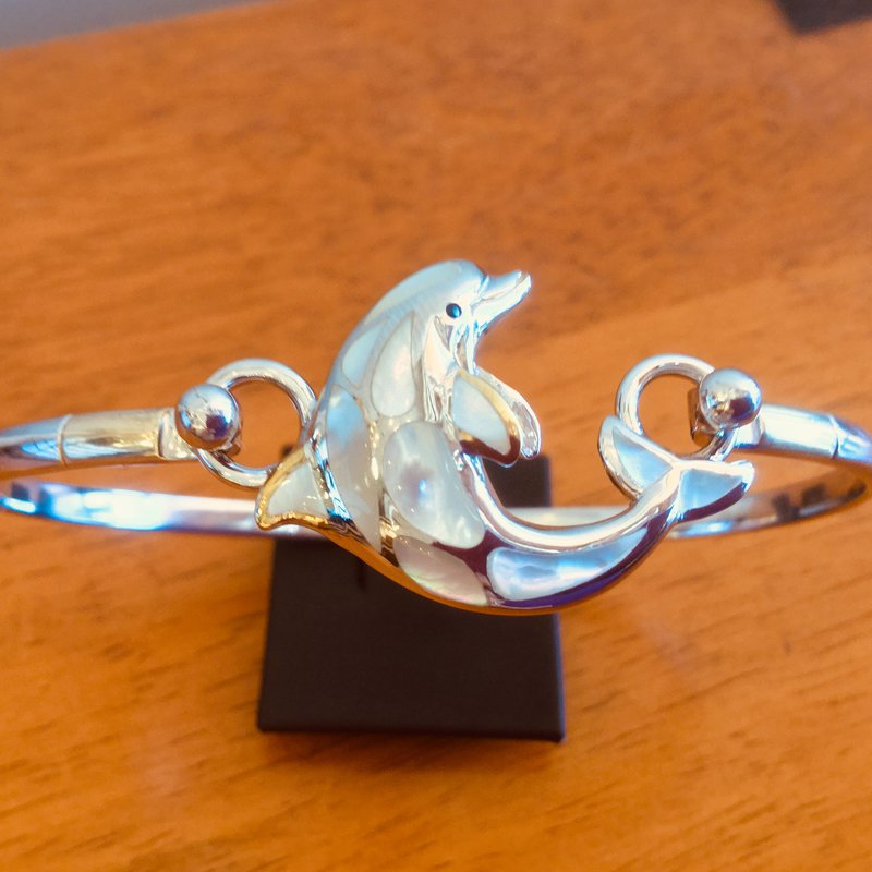 Kovel Sealife Sterling Silver and 18k Gold Plate Dolphin Topper with White Mother of Pearl