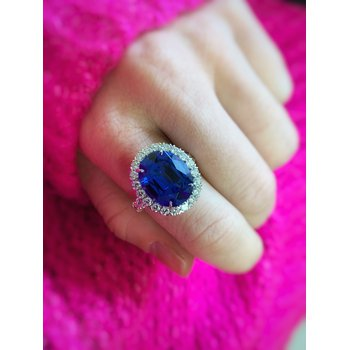 White Gold Oval Tanzanite and Diamond Ring