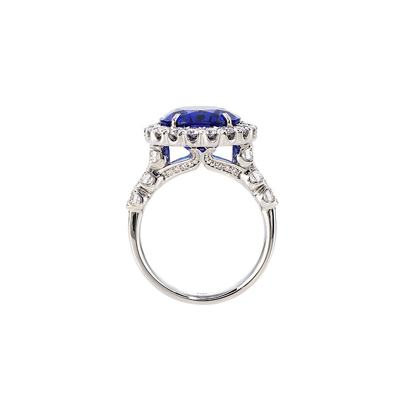 Devon Fashion White Gold Oval Tanzanite and Diamond Ring