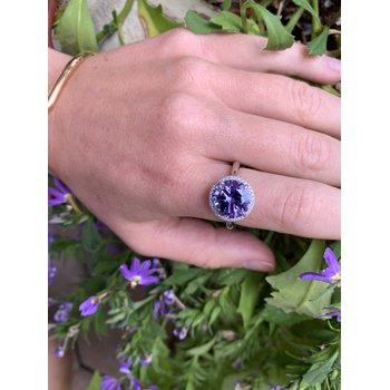 White Gold Unheated Tanzanite and Diamond Ring