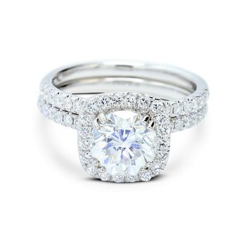 Round Halo Diamond Bridal Set 18KW