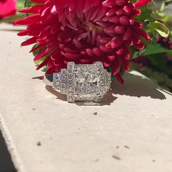 Vintage Cushion Diamond Ring 18KW