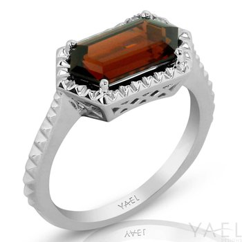 Long Hexagon Garnet Ring 14KW