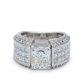 4.00 Radiant Cut Diamond Ring 18KW