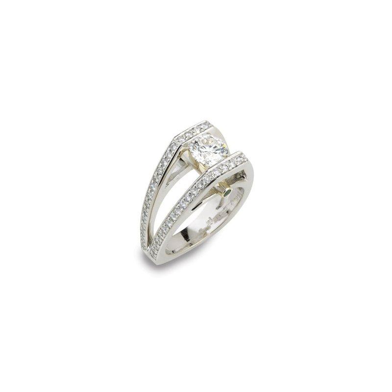 London Gold Designs Modern Diamond Ring