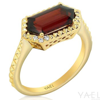 Long Hexagon Garnet Ring 14KY