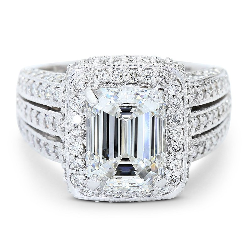 Lunaria 3.00 Carat Emerald Cut Diamond Engagement Ring