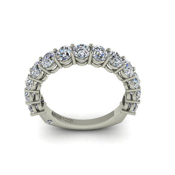 2.27ct Oval Diamond Band