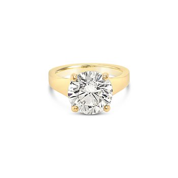 Tapered Diamond Solitaire