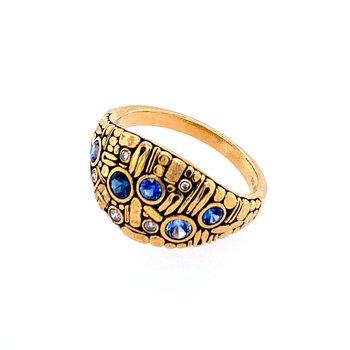 """Sapphire & Diamond """"Curious"""" Ring"""
