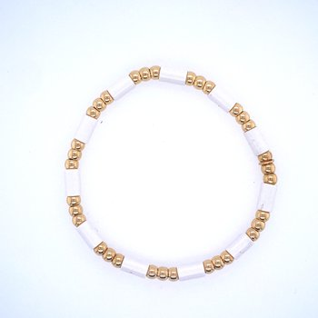18k Yellow Gold & White Bead Bracelet