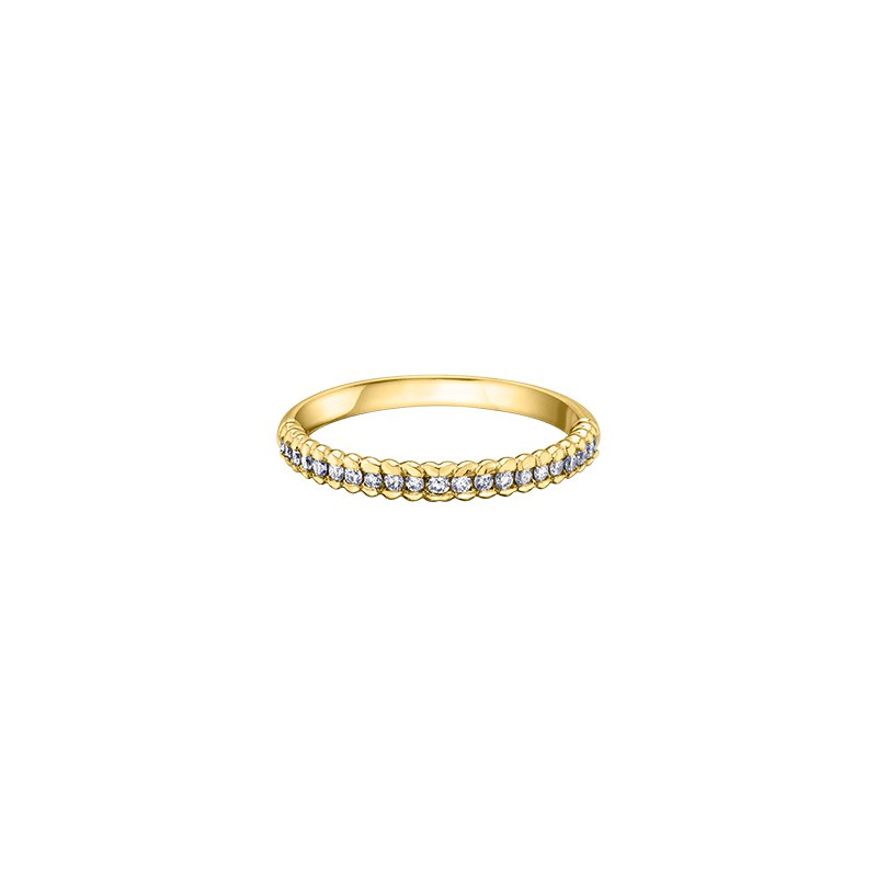 Maple Leaf Diamonds Eternal Flames Diamond Set Band Engagement Ring in Yellow Gold