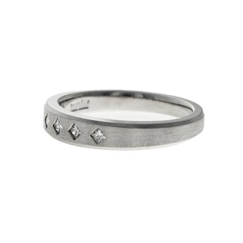 Kite Set Diamond Ring