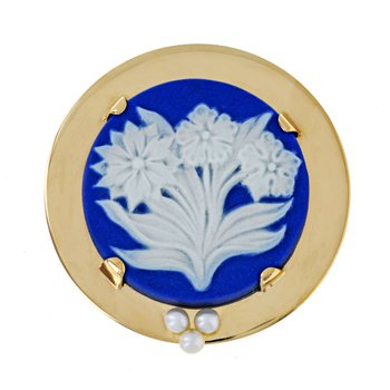 Wedgwood & Pearl Pin