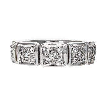 Diamond Square  Link Ring