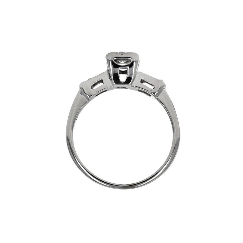 Estate Radcliffe Illusion Head Diamond Ring