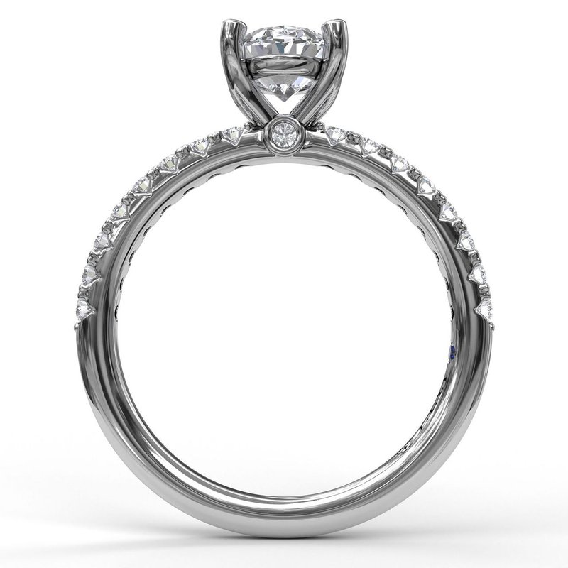 Fana Classic Prong Engagement Ring Mounting for an Oval Center