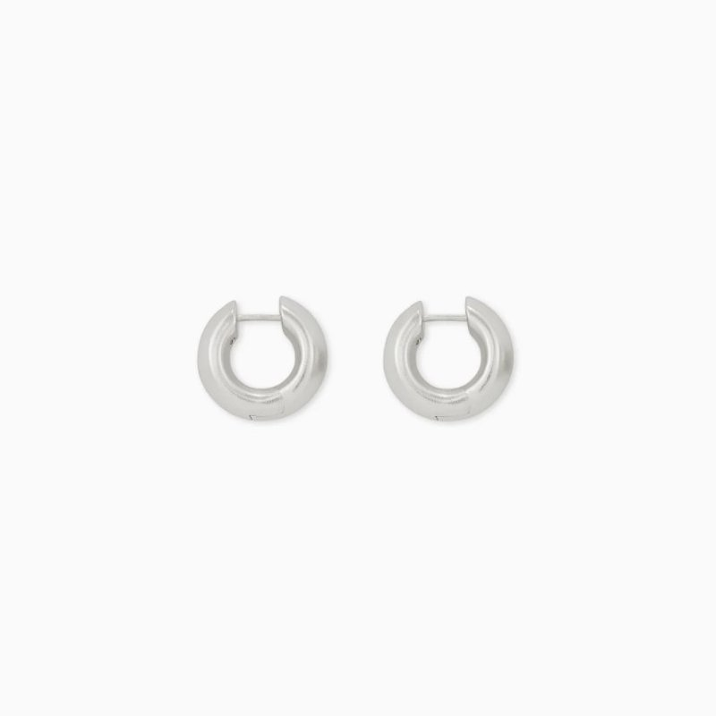 Kendra Scott Mikki Huggie Earrings In Silver