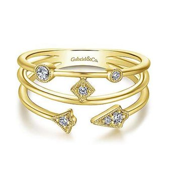 Yellow Gold and Diamond Tri-band Station Ring.